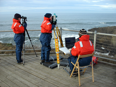MMI Observers Tracking Gray Whales From Yaquina Head Lighthouse